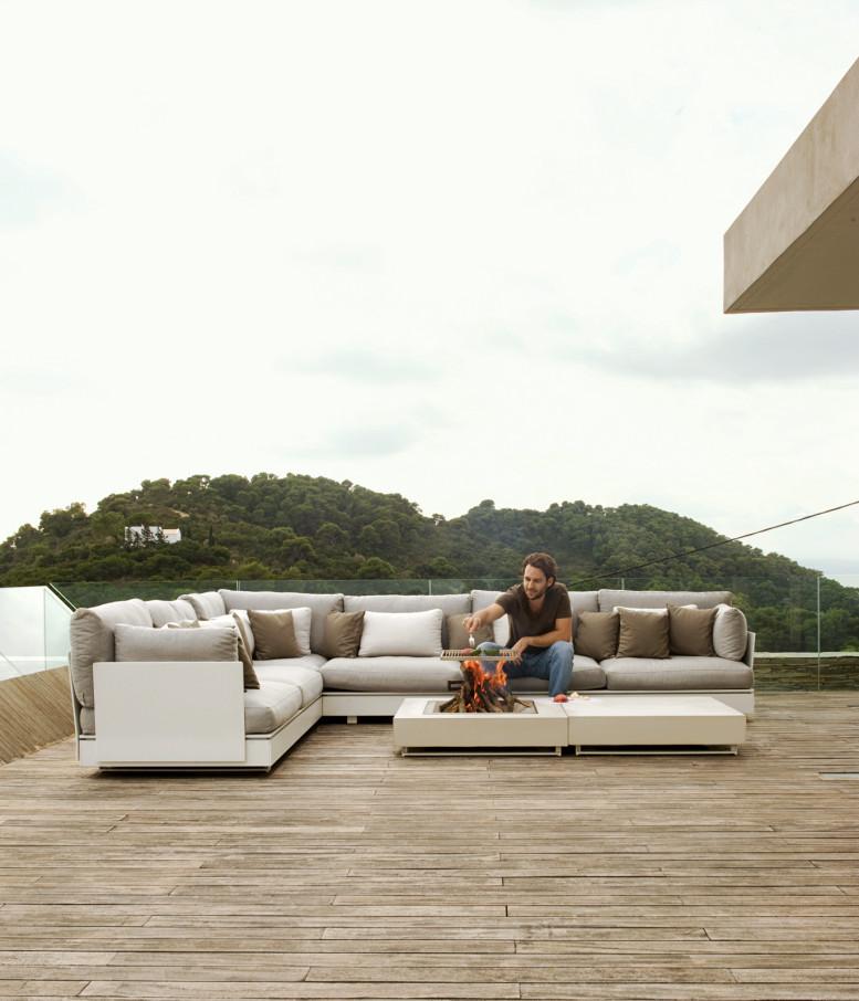 plane-house-greece-deck